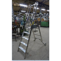Refuelling step ladder...